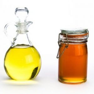 home-remedy-honey-olive-oil