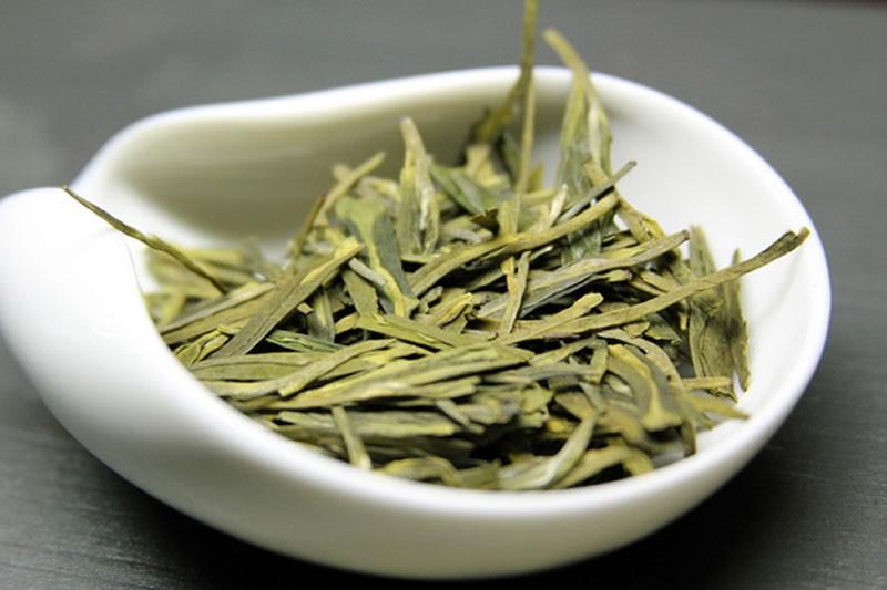 si-hu-lun-cin-kolodec-drakona-2
