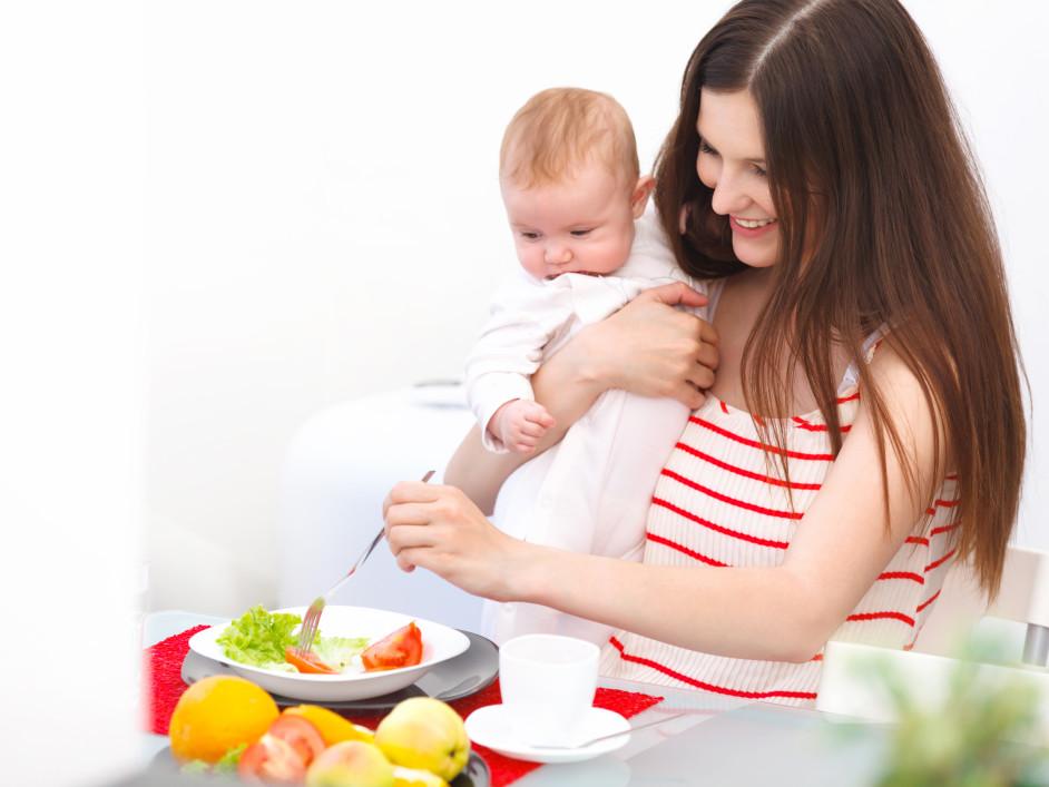 Фото матерей кормящих ребенка