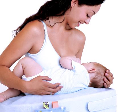 Зачем кормить ребенка грудью