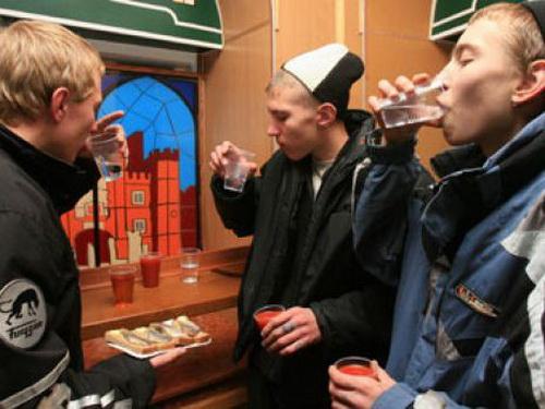 Алкоголизм в детском (подростково-юношеском) периоде