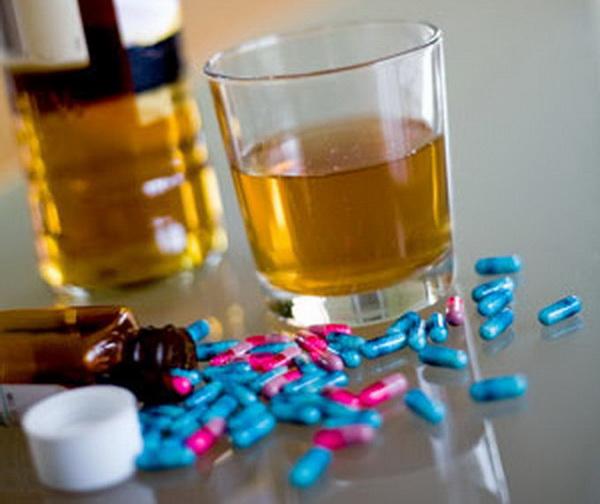 Суицидальные наклонности при алкогольных интоксикациях