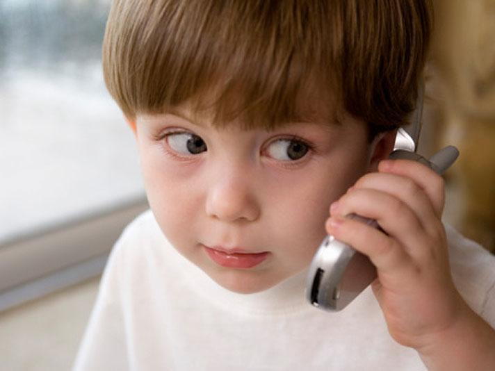 Телефон и ребенок