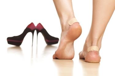Мозоли на <i>как вылечить мозоль на ноге открытую</i> ногах