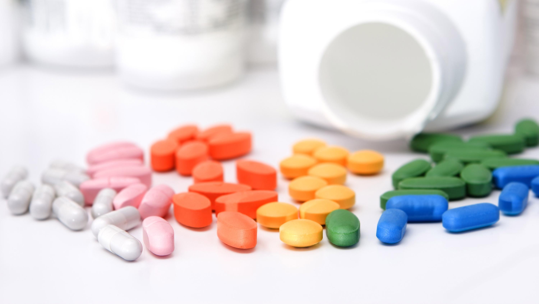 Нужно ли принимать витамины из аптек