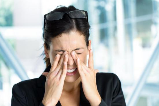 Симптомы отслойки сетчатки