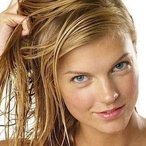 How-to-Prevent-Dry-Damage-And-Frizzy-Hair1