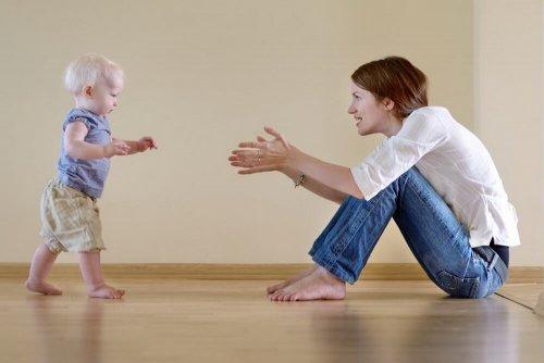 Почему ребёнок ходит на носочках причины