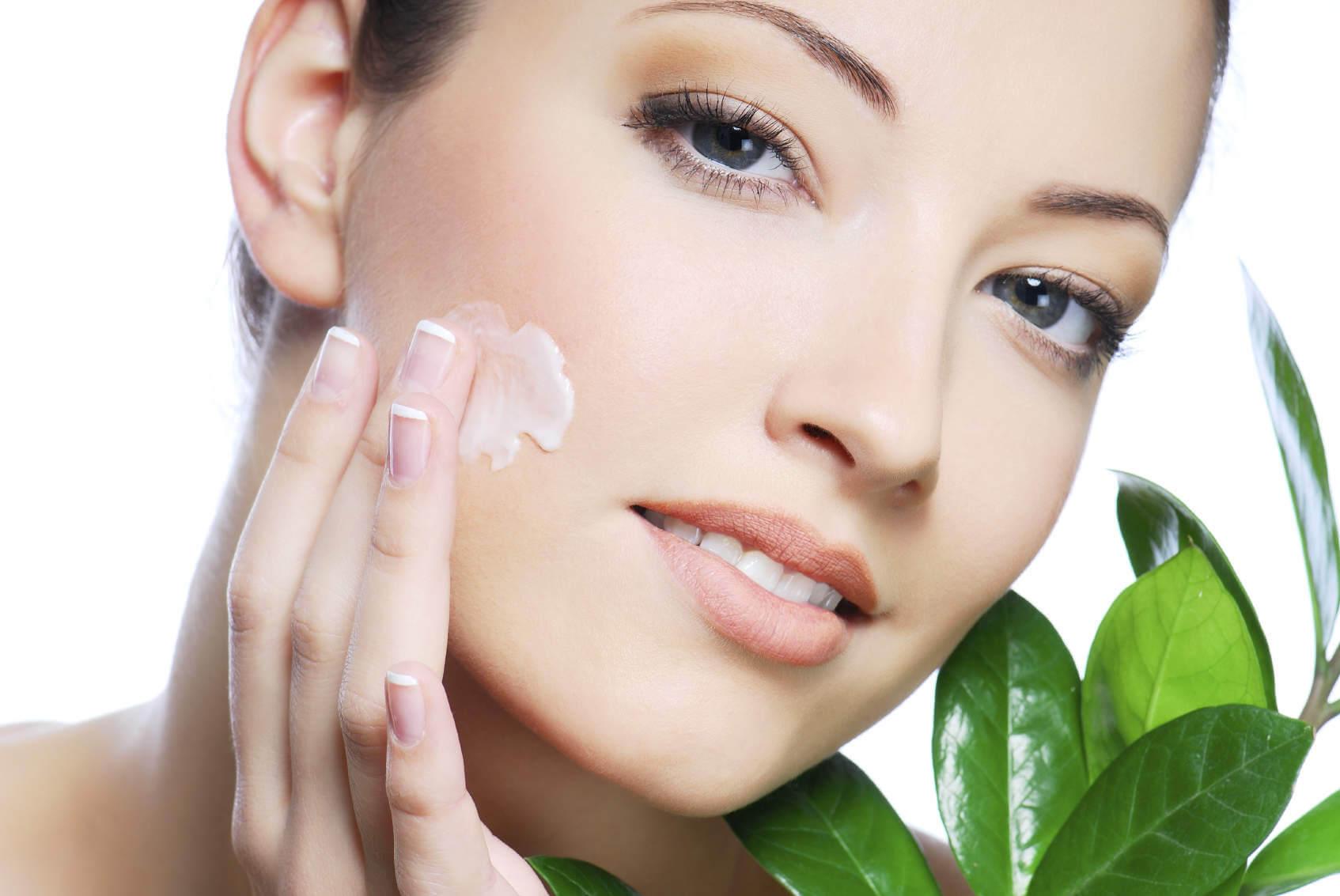 Чем смывать косметику с сухой кожей лица