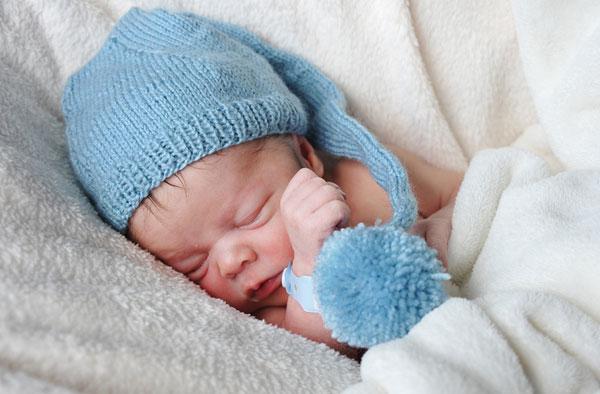 Ребенок храпит во сне советы от Комаровского. Почему ребенок храпит во сне