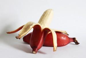 красные-бананы-300x204
