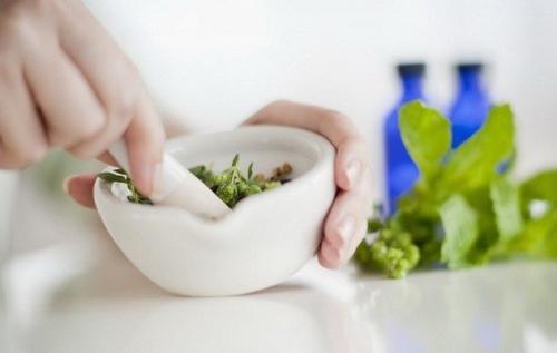 Лечение гайморита каланхоэ, а также соками овощей