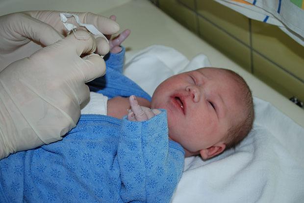 Слезные протоки у новорожденных лечение в домашних условиях thumbnail