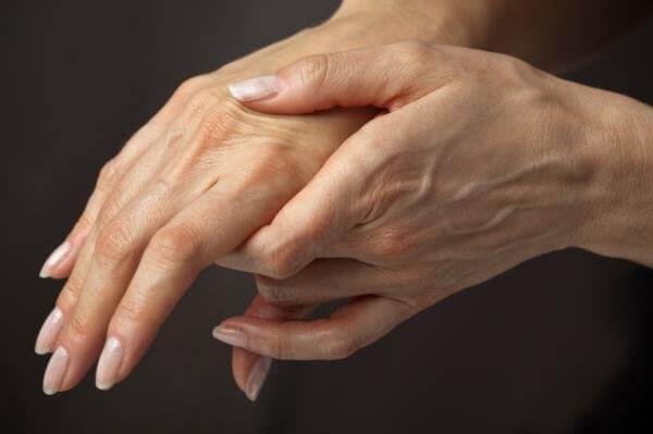 Болит сустав на пальце руки что делать
