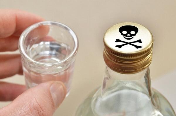 Признаки отравления суррогатным алкоголем