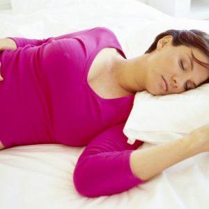 Как правильно спать беременной: можно ли беременной спать на животе, спине и на боку