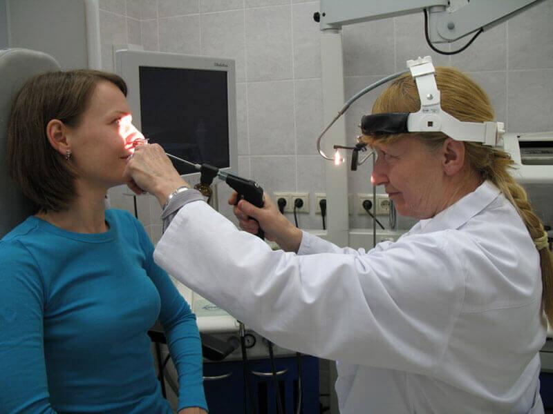 Как проводится эндоскопия носа фото первый