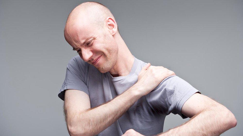 Почему болит плечо когда поднимаешь руку или делаешь круговые движении